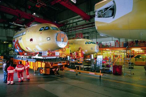 Basisträger für Transportrahmen von Airbus-Segmenten (DE)
