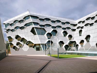 Coventry University (UK)